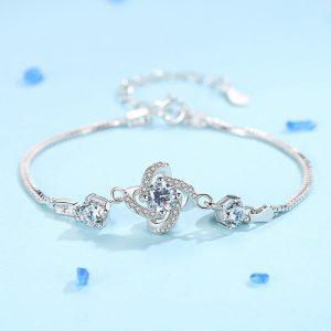 Bracelet en forme de fleur en acier inoxydable couleur argent