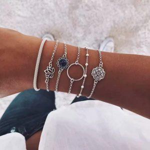 Ensemble de bracelets argentés en alliage